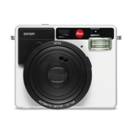 leica_sofort_white_front-off_9922f7c8-6df1-42d9-9050-572ebd7735fc_1024x1024